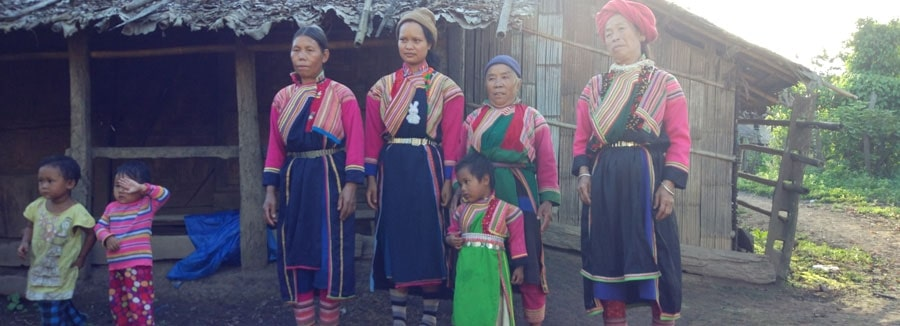 A loikaw Family Picture