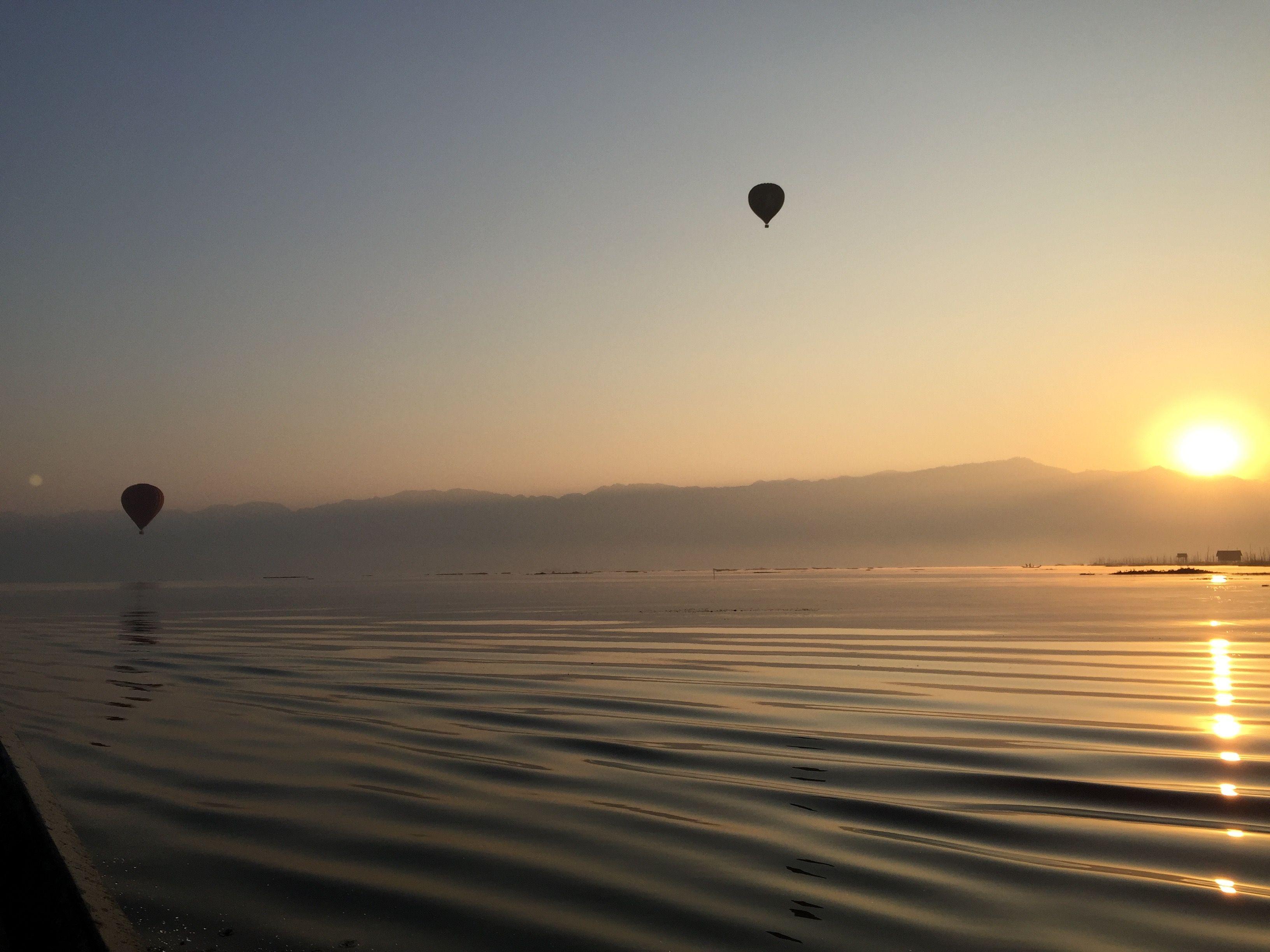 Ballooning in Inle Lake